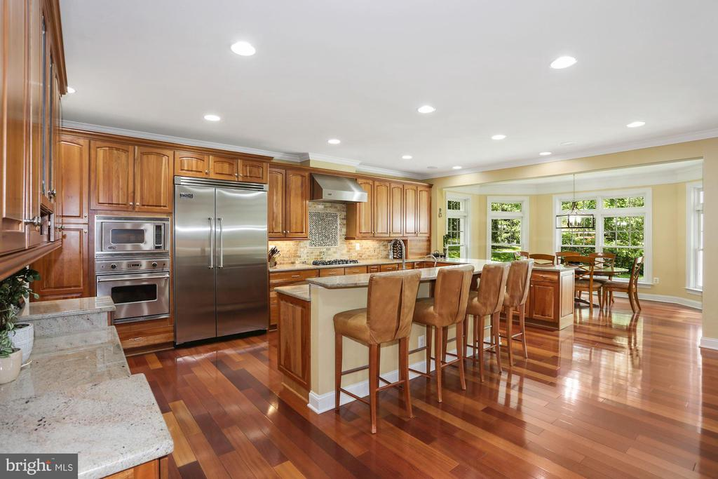 Kitchen with all Viking appliances - 11418 WAPLES MILL RD, OAKTON
