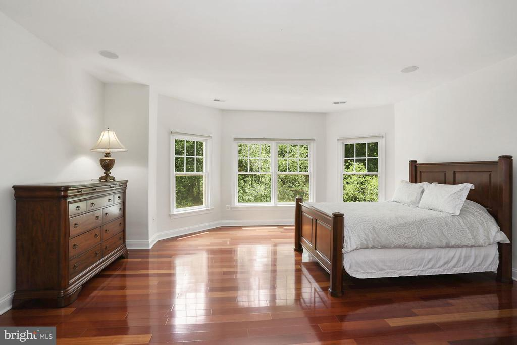 Second of four bedrooms on upper level - 11418 WAPLES MILL RD, OAKTON