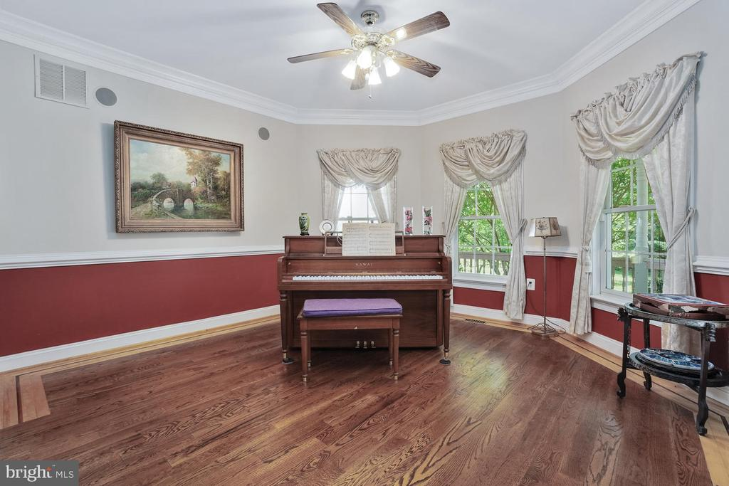 Living Room with inlay hardwood floors - 3725 BIG WOODS RD, IJAMSVILLE