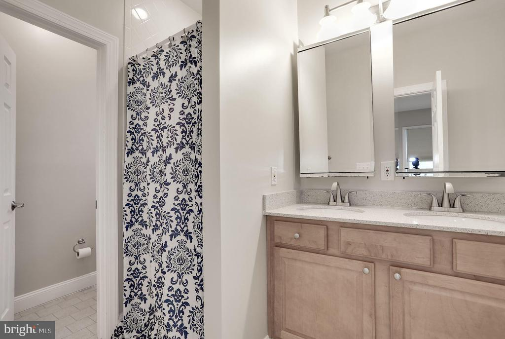 Master bathroom. with. dual vanity - 5715 7TH ST N, ARLINGTON