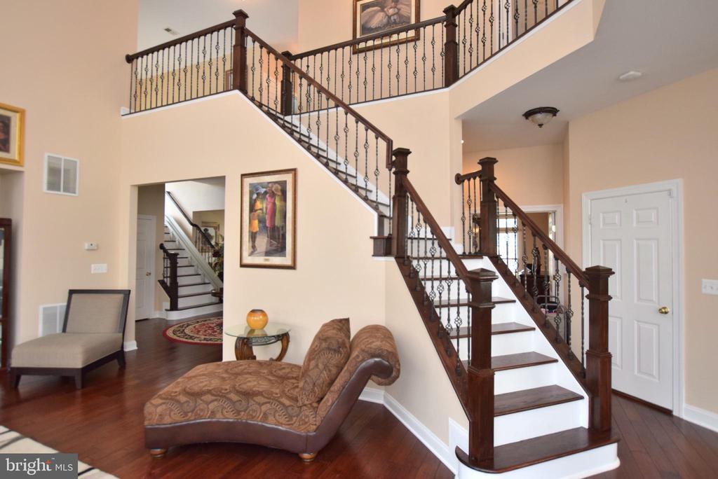 Rear Staircase - 9287 SUMNER LAKE BLVD, MANASSAS