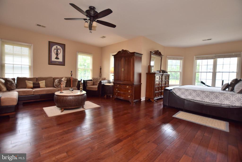Master Bedroom - 9287 SUMNER LAKE BLVD, MANASSAS