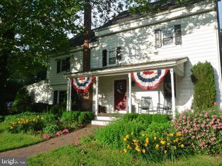 Single Family Homes pour l Vente à Southampton, New Jersey 08088 États-Unis