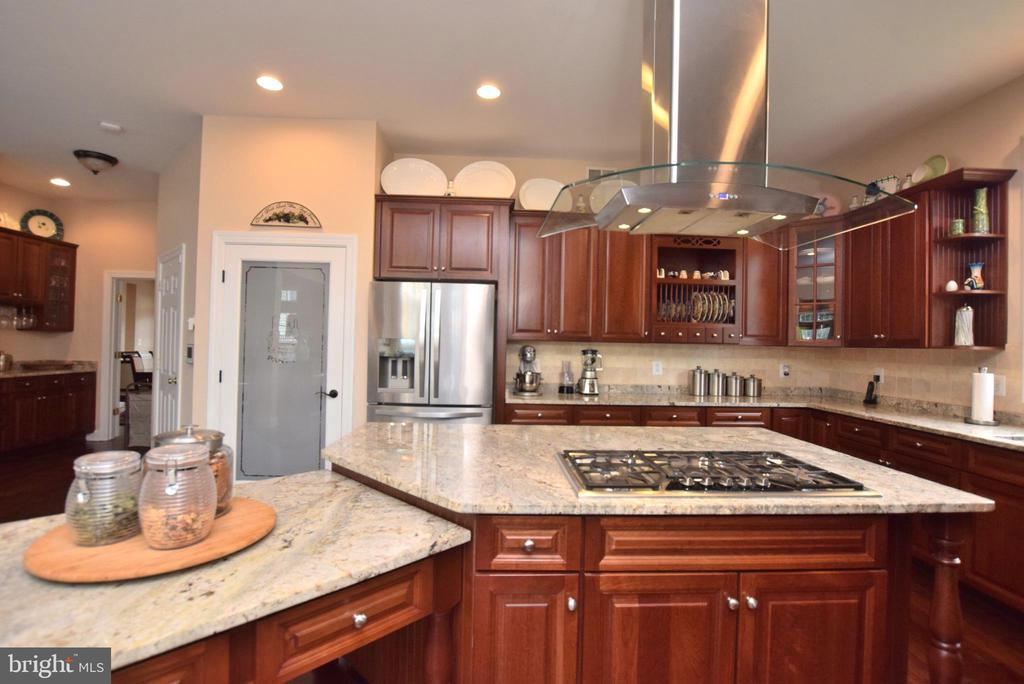 Kitchen - 9287 SUMNER LAKE BLVD, MANASSAS
