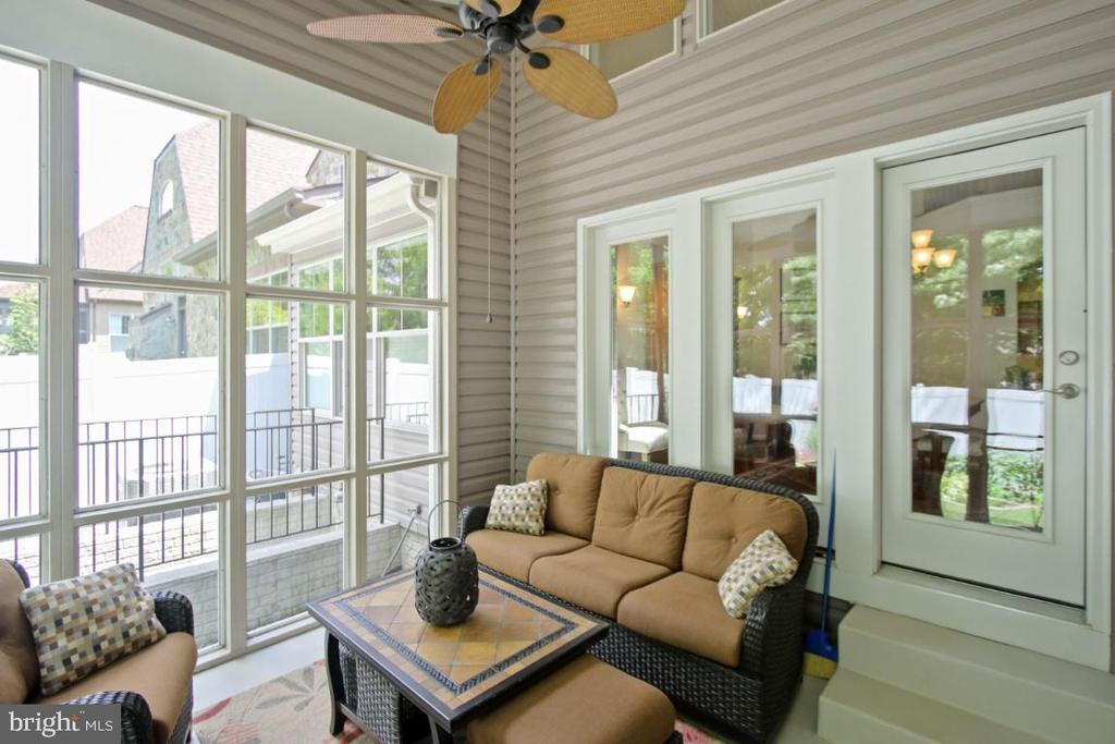 The screened in porch - a rare find! - 3006 OLD ANNAPOLIS TRL, FREDERICK