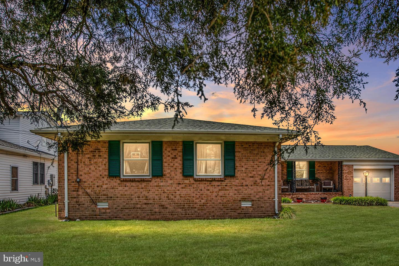 Single Family Homes vì Bán tại Colonial Beach, Virginia 22443 Hoa Kỳ