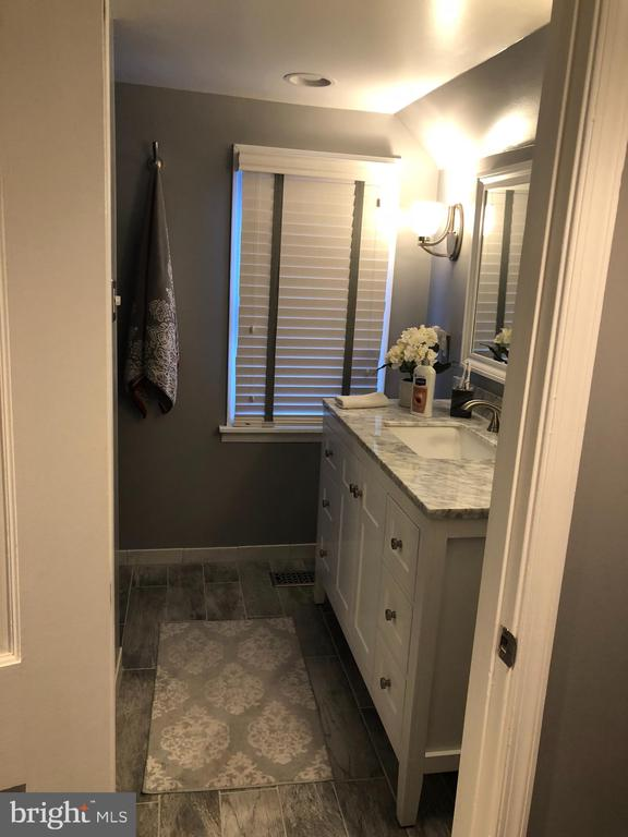 Master Bathroom - 4705 FORDHAM RD, COLLEGE PARK