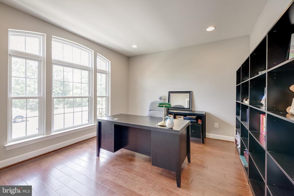 Home Office - 20417 SAVIN HILL DR, ASHBURN