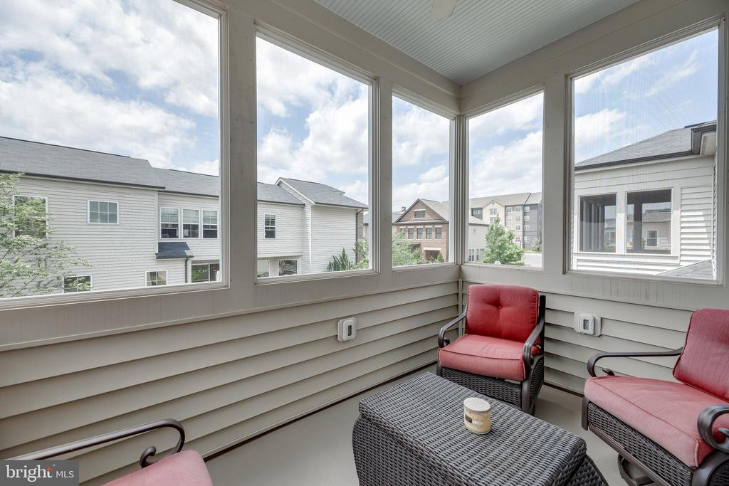 Screened Porch off Master Suite - 20417 SAVIN HILL DR, ASHBURN