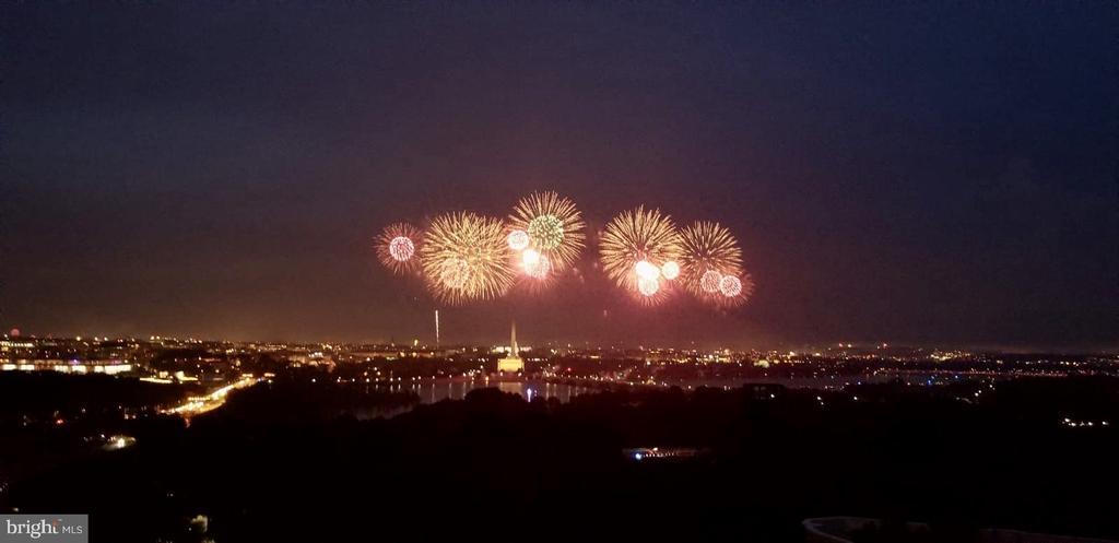 Views of 4th of July Worth Celebrating!!! - 1200 N NASH ST #1148, ARLINGTON