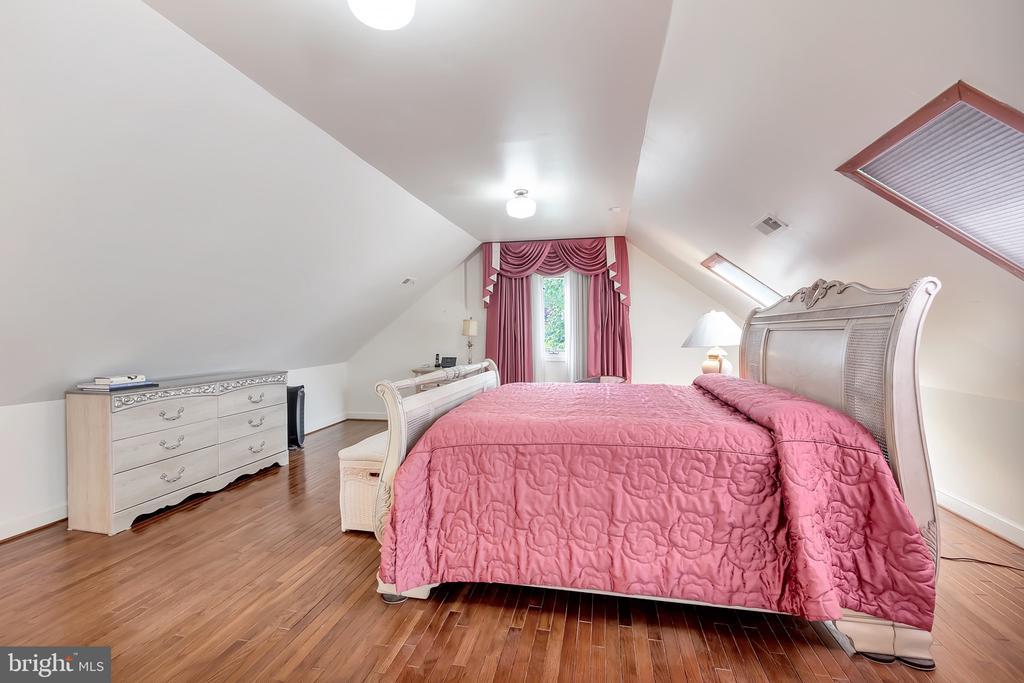 Master Suite- Bedroom - 1603 CEDAR VIEW CT, SILVER SPRING