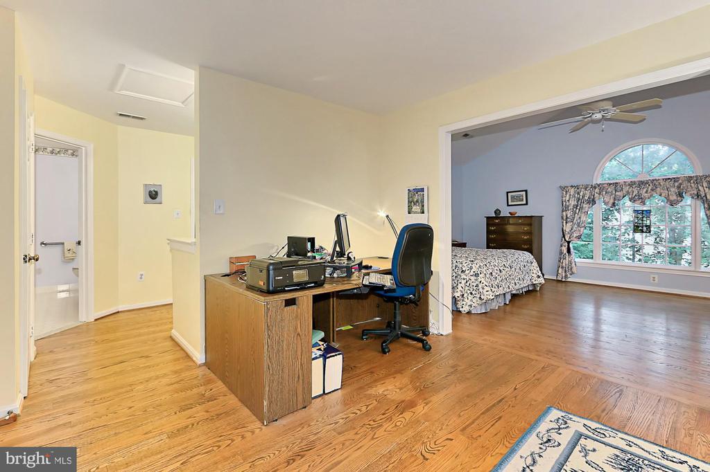 Sitting Room/Master Bedroom - 6603 OKEEFE KNOLL CT, FAIRFAX STATION