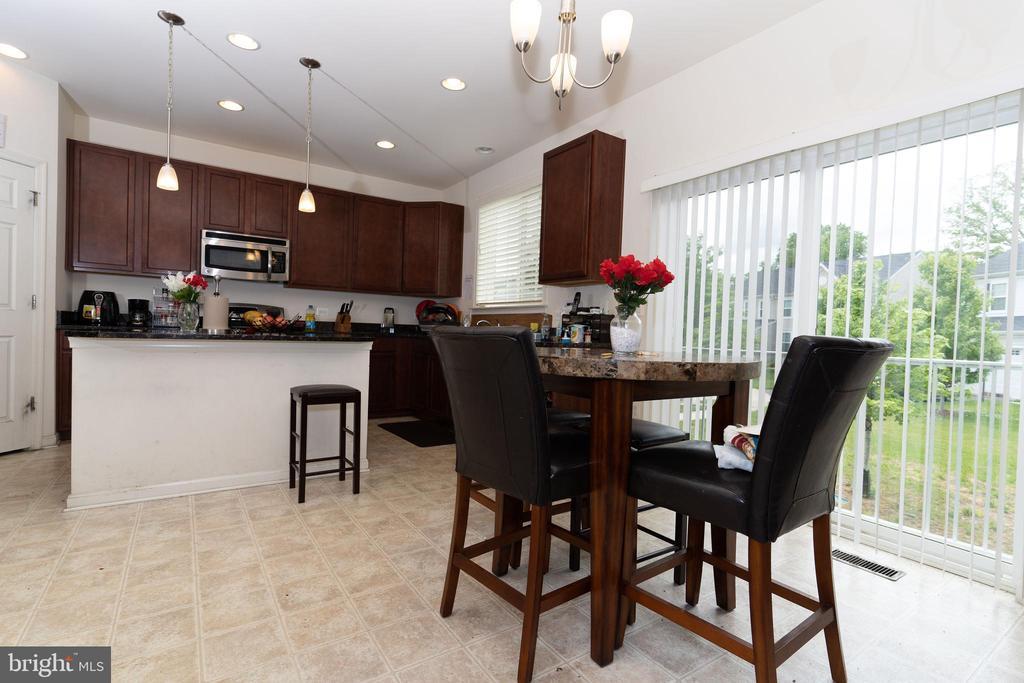 Kitchen - Breakfast Area - 18226 JILLIAN LN, TRIANGLE