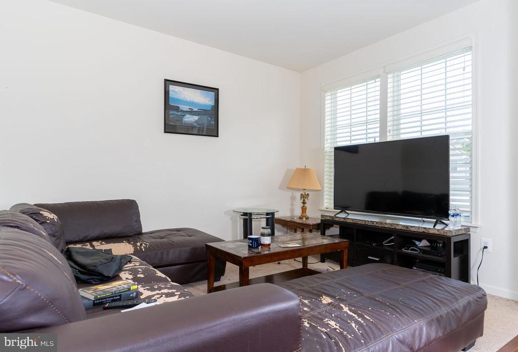 Room next to entryway - 18226 JILLIAN LN, TRIANGLE