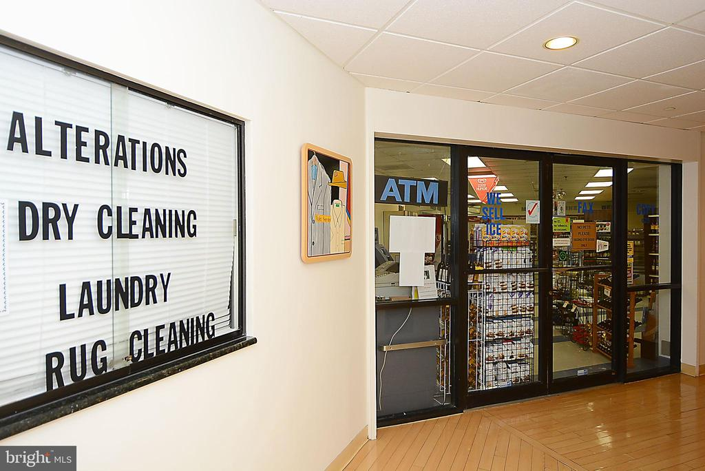 Convenience store with other services too - 5902 MOUNT EAGLE DR #609, ALEXANDRIA