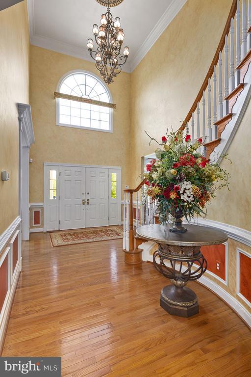2 story foyer - 43474 OGDEN PL, STERLING