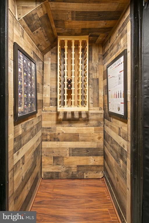 Wine closet - 43474 OGDEN PL, STERLING