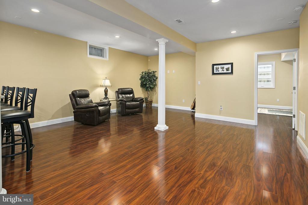 Downstairs lounge - 43474 OGDEN PL, STERLING