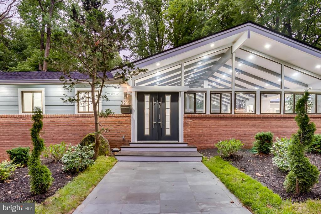 - 3219 VALLEY LN, FALLS CHURCH
