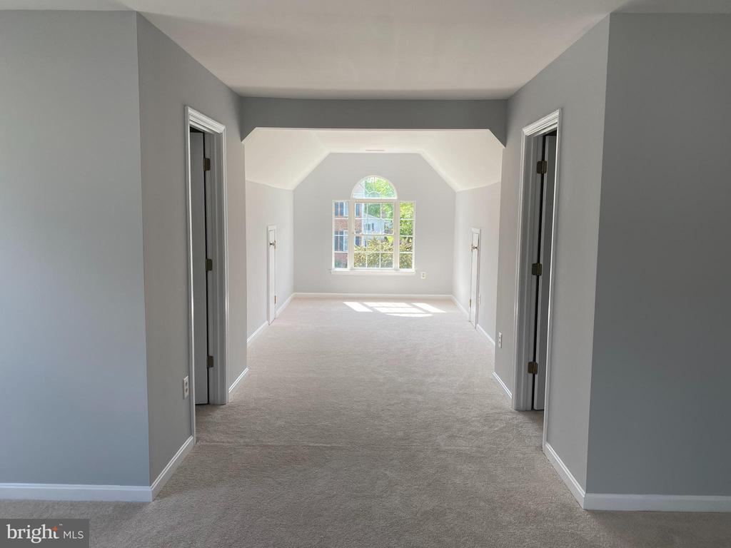 Master Bedroom View-3 w/2 separate walk-in closets - 6311 WILLOWFIELD WAY, SPRINGFIELD