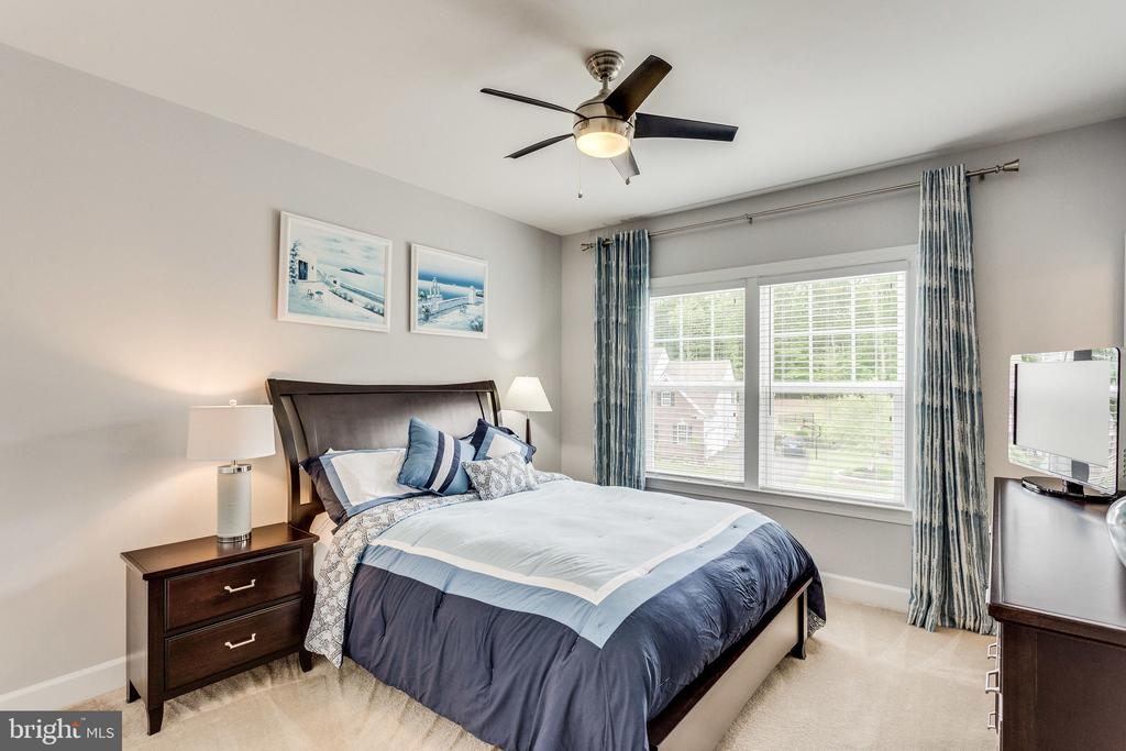 All Guest Bedrooms Have Their Own Walk-in Closet - 41684 WAKEHURST PL, LEESBURG