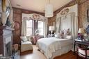 Brown guest suite - 8394 ELWAY LN, WARRENTON