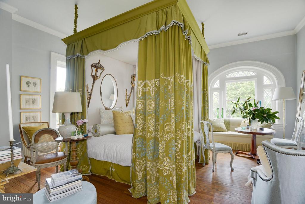Green guest suite - 8394 ELWAY LN, WARRENTON
