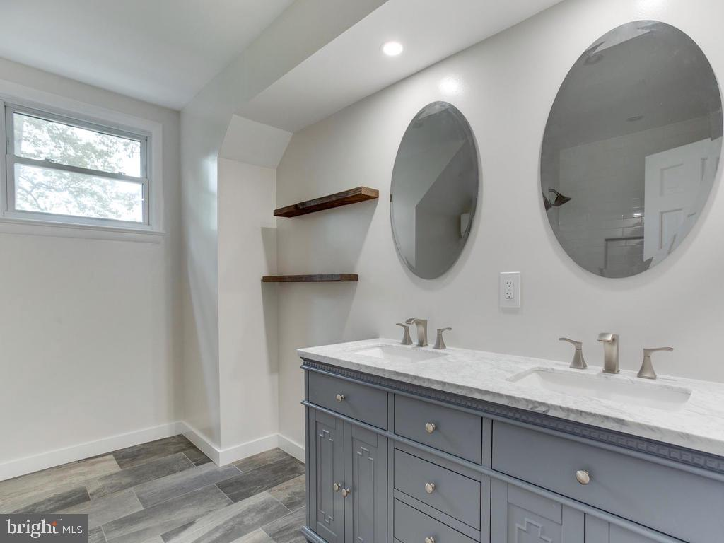 Second floor bath - 9685 HOWES RD, DUNKIRK