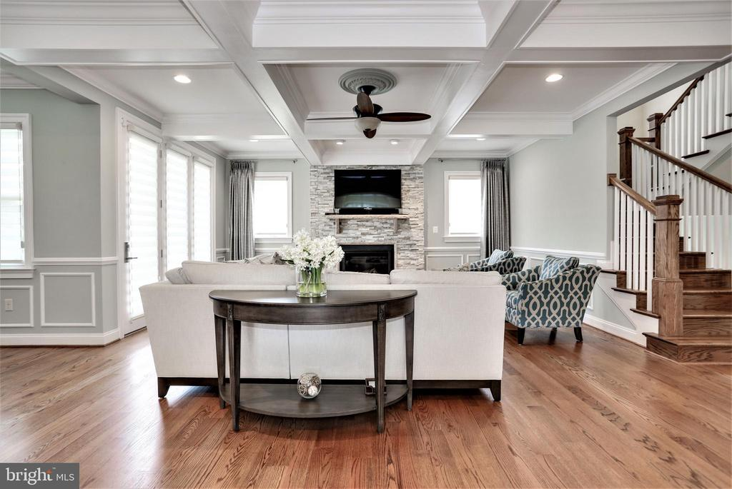 appealing coffered ceiling and stone gas fireplace - 3401 N KENSINGTON ST, ARLINGTON