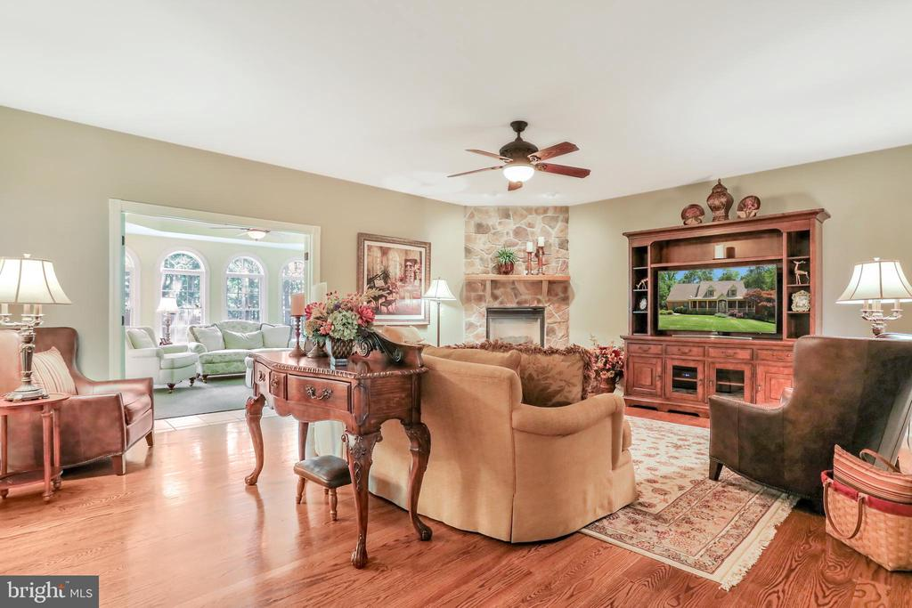 Living Room with Wide Plank Hardwood Floors - 92 EARLE RD, CHARLES TOWN