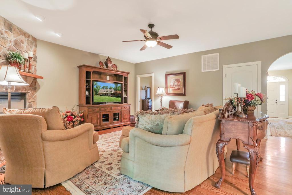 Living Room with ceiling fan - 92 EARLE RD, CHARLES TOWN