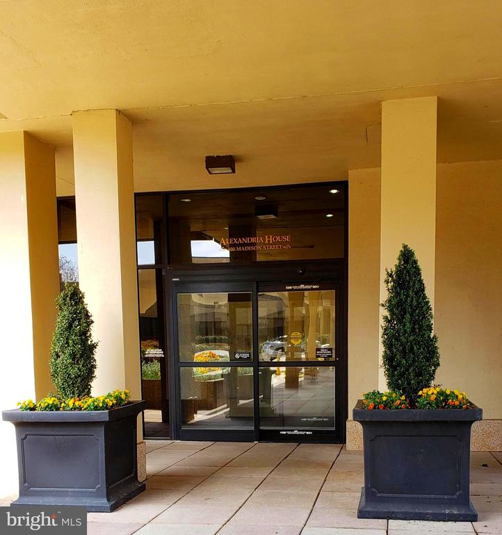 Alexandria House Main Entrance - 400 MADISON ST #607, ALEXANDRIA