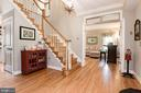 Welcoming entrance hall - 20634 ST LOUIS RD, PURCELLVILLE