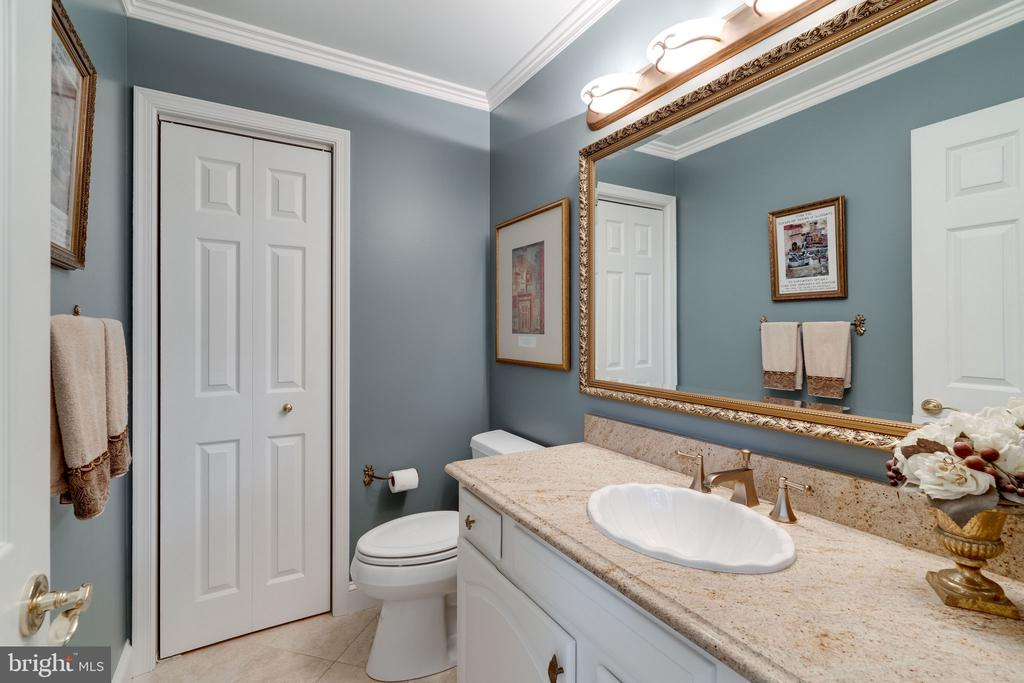 Main Half Bath - 8523 SILVERVIEW DR, LORTON