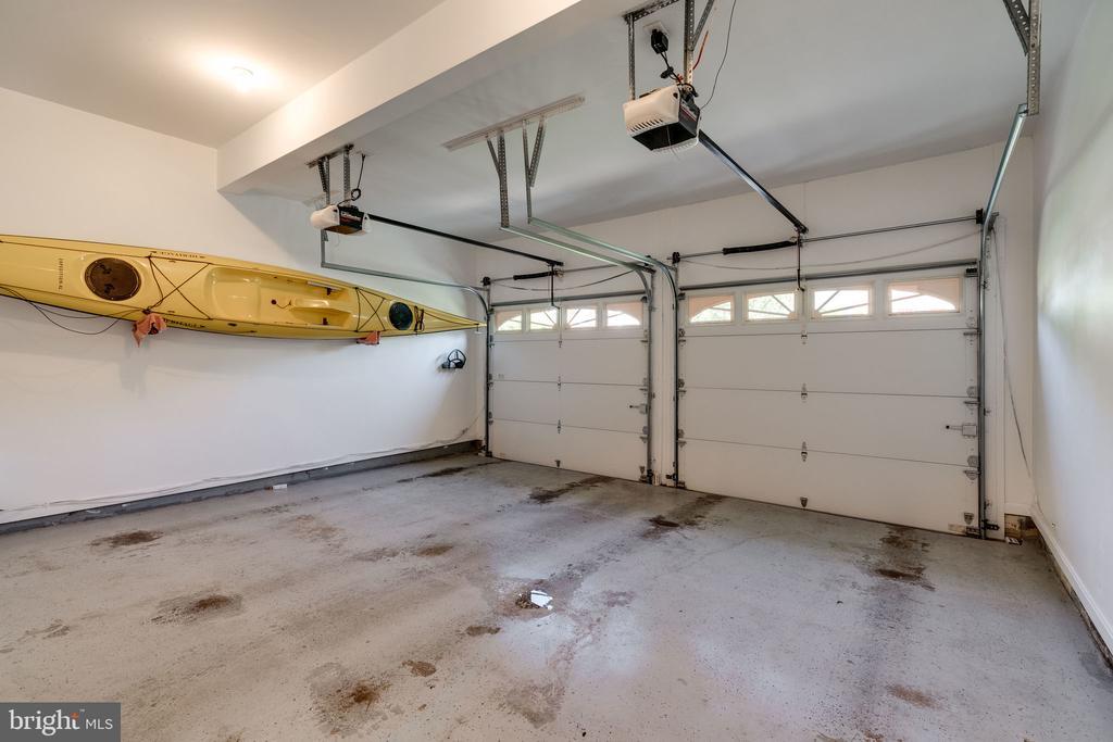2 Car Garage - 8523 SILVERVIEW DR, LORTON