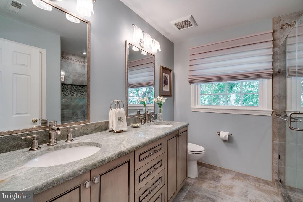 Bathroom 2 - 8523 SILVERVIEW DR, LORTON
