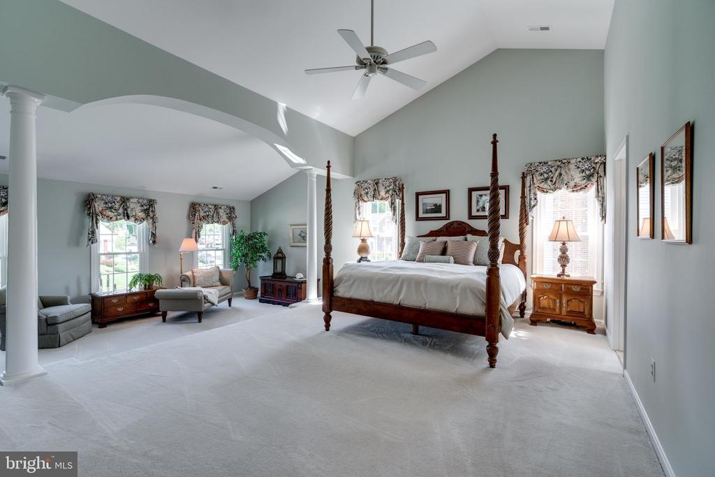 Master Bedroom with view of Sitting Area - 8523 SILVERVIEW DR, LORTON