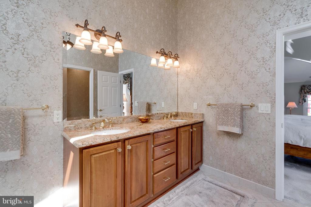 Double Sink Vanity with Granite Counter - 8523 SILVERVIEW DR, LORTON