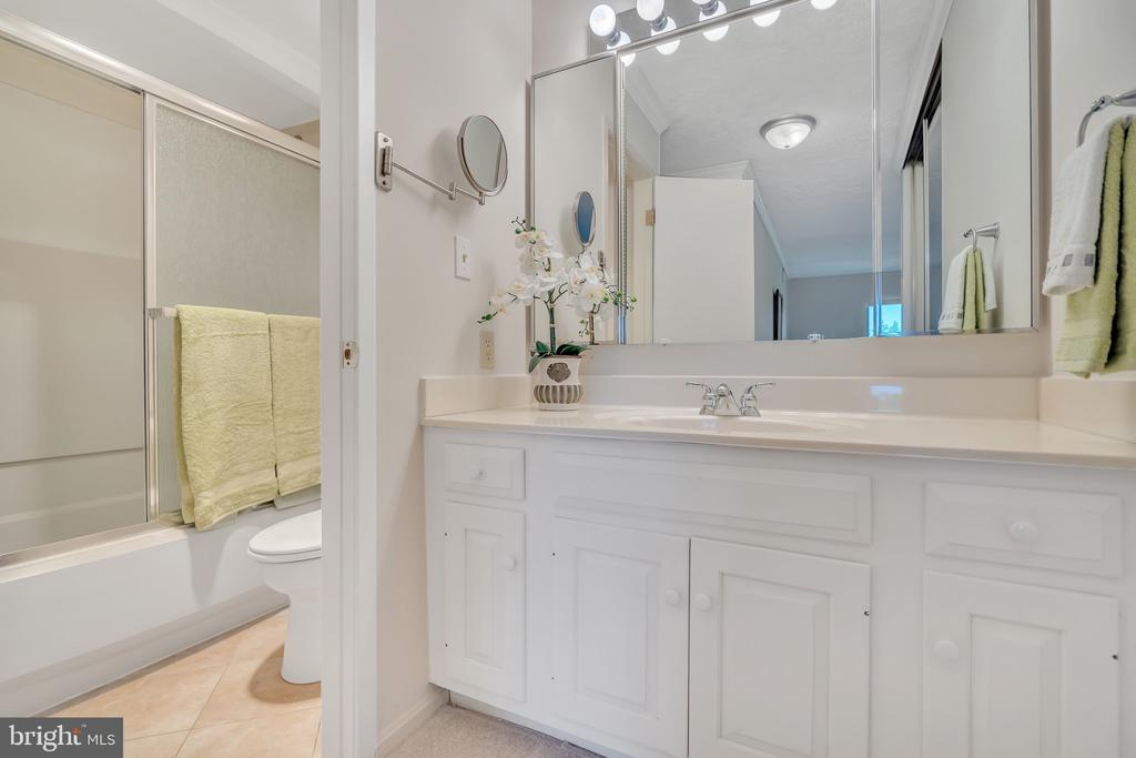 Master bath and dressing area - new tile floor - 5903 MOUNT EAGLE DR #610, ALEXANDRIA