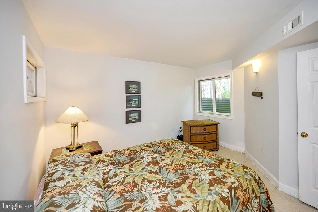 Lower Golfer Bedroom - 124 BIRCHSIDE CIR, LOCUST GROVE