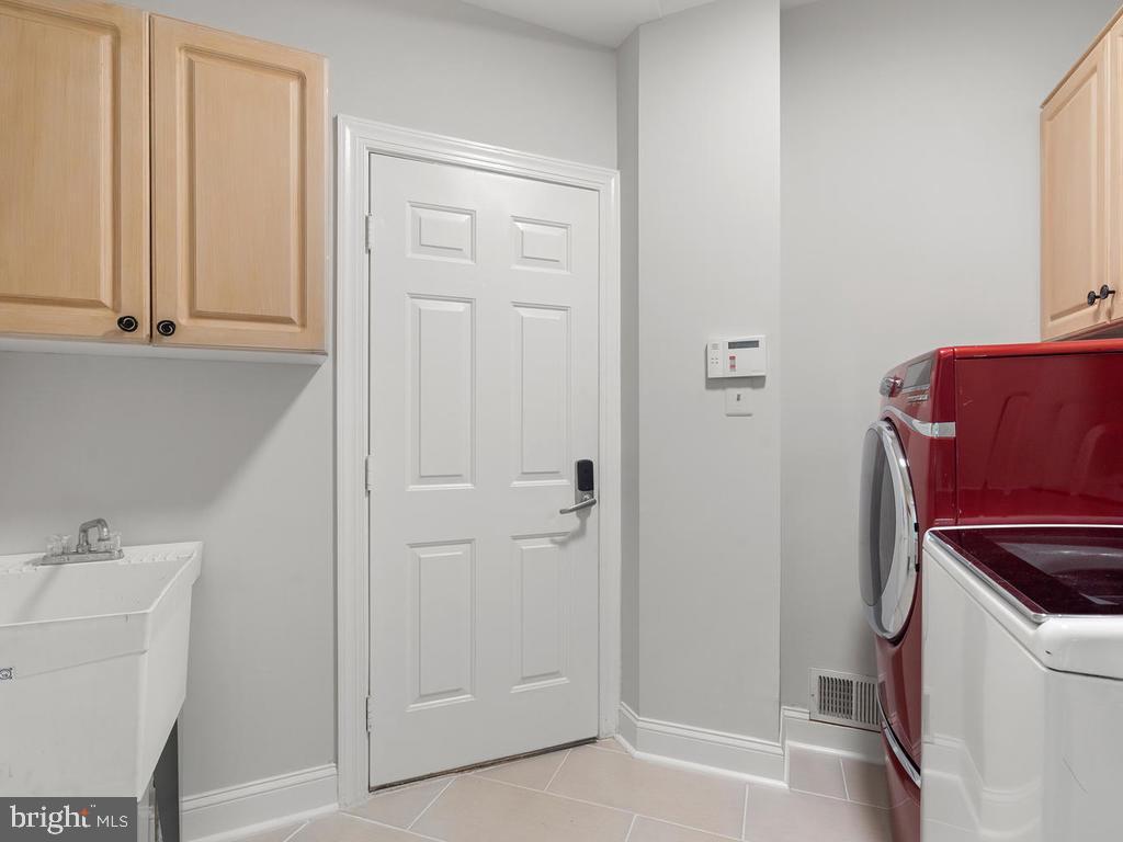Main Level Laundry Room - 13716 SAFE HARBOR CT, ROCKVILLE
