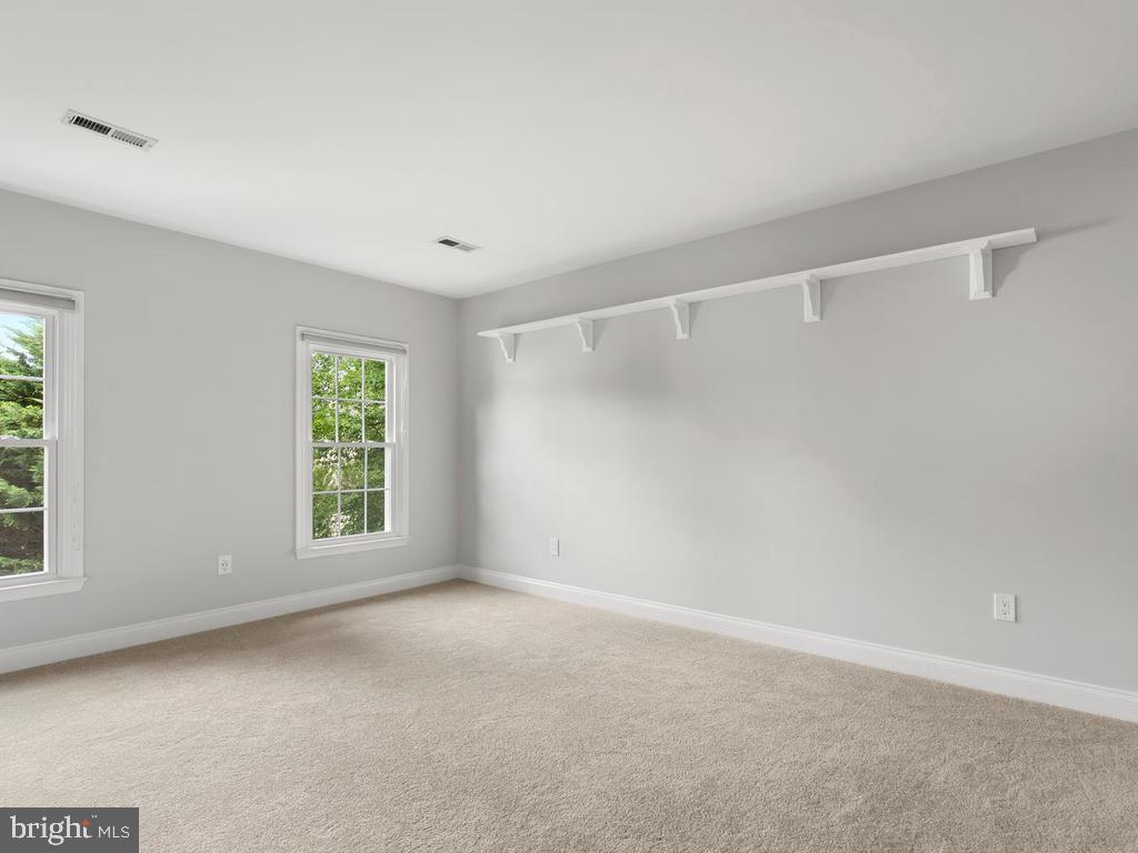 Fourth Bedroom w/ Ensuite Bathroom - 13716 SAFE HARBOR CT, ROCKVILLE