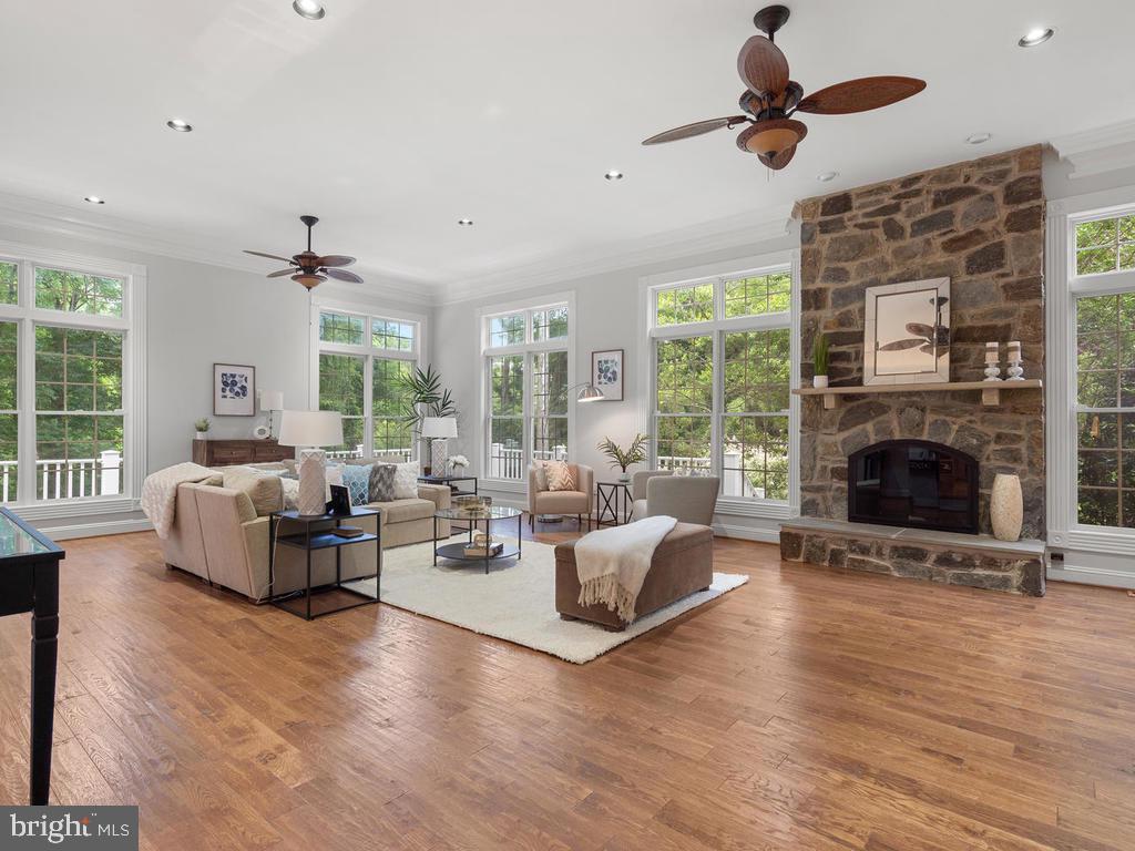 Expansive Family Room - 13716 SAFE HARBOR CT, ROCKVILLE