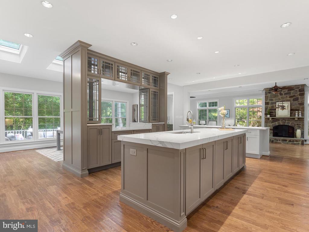 State of the Art Kitchen - 13716 SAFE HARBOR CT, ROCKVILLE