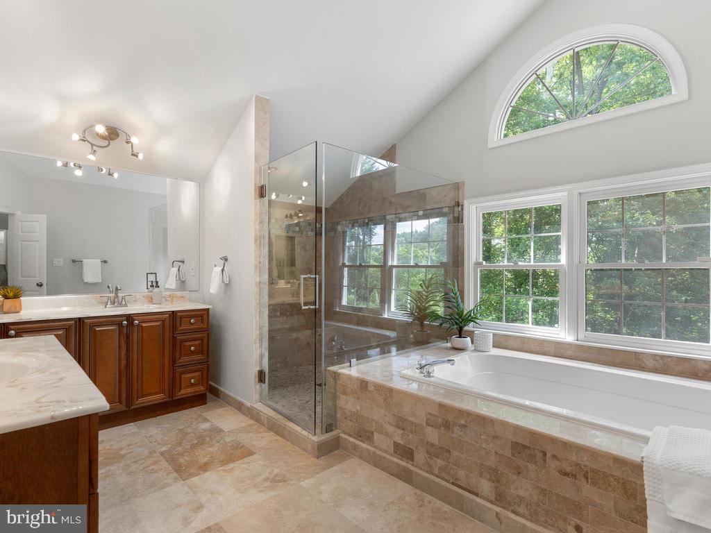 Master Bathroom w/ Spa Inspired Shower - 13716 SAFE HARBOR CT, ROCKVILLE