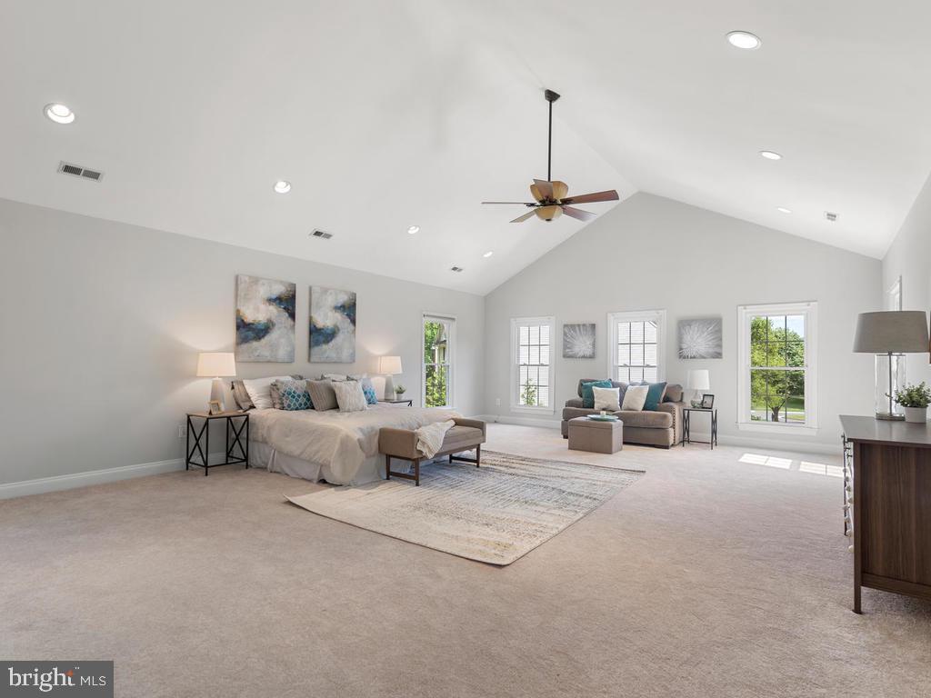 Master Suite w/ Sitting Room & 4 Closets - 13716 SAFE HARBOR CT, ROCKVILLE