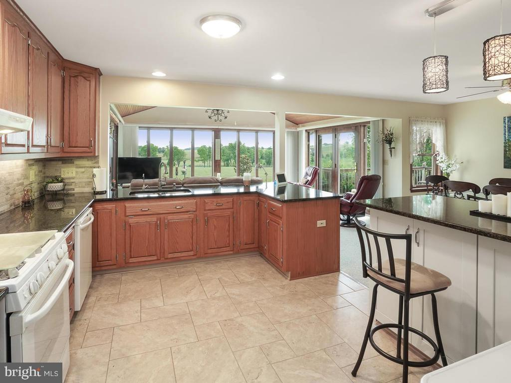 Recently Remodeled Kitchen - 1719 GREENFIELD RD, ADAMSTOWN