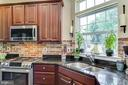 Granite counters with a view! - 55 POTTERFIELD DR, LOVETTSVILLE