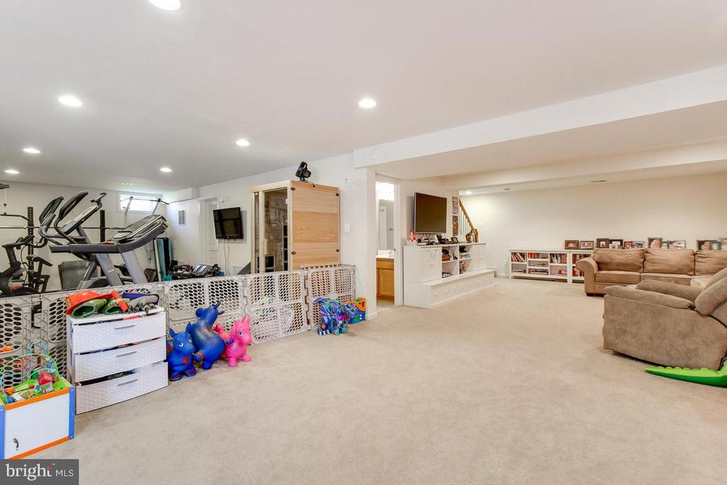 Let's work out and relax! - 55 POTTERFIELD DR, LOVETTSVILLE