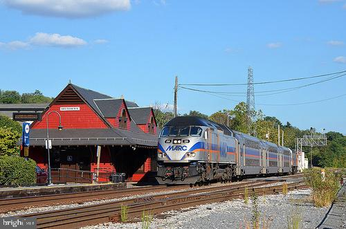 MARC Train only 8 minutes away! - 55 POTTERFIELD DR, LOVETTSVILLE